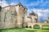Ponte di Chateau Comtal si trova a Carcassonne, Francia