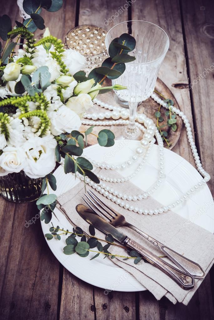 Vintage Hochzeit Tischdekoration Geschirr Blumen Und Perlen
