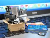 Fényképek E-kereskedelem vagy online vásárlás, vagy a szállítás fogalmát. Otthon applianc