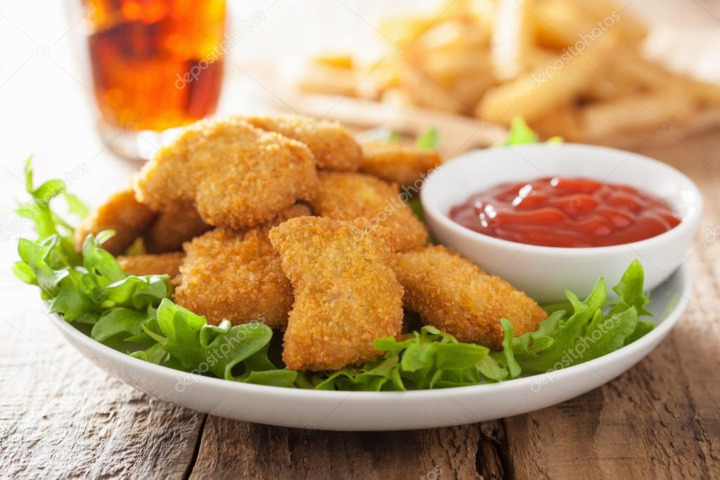 Nuggets Z Kurczaka Fast Food Z Ketchupem Frytki Cola Zdjcie