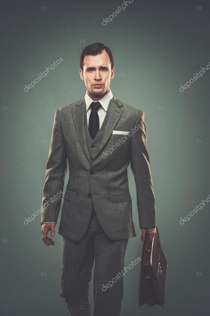 Ben — La Foto Nejron Vestito Stock Spalla Giacca Con Uomo © Sopra qBnw0TZqd