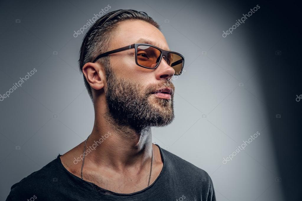 afbac6d557b7 Фото  мужские очки солнцезащитные. Модный мужской солнцезащитные ...