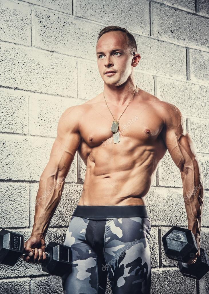 фото мускулистые военные