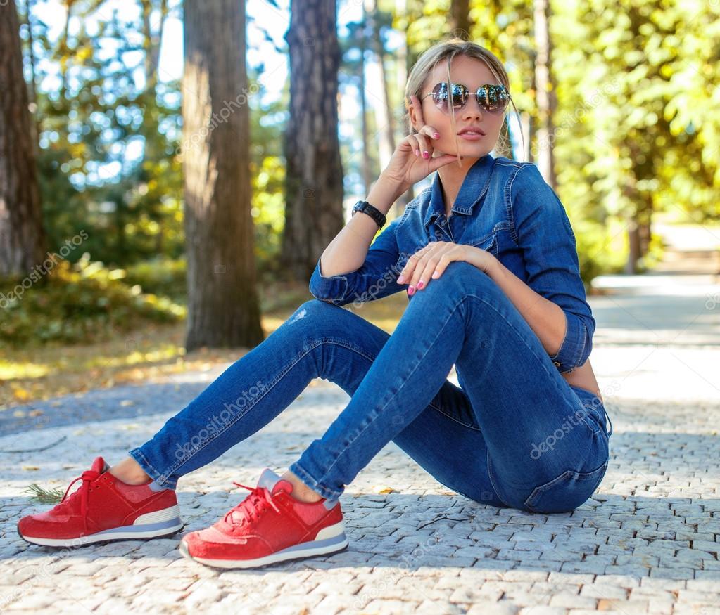 Slim femme blonde en jeans photographie fxquadro 83438696 - Femme blonde photo ...