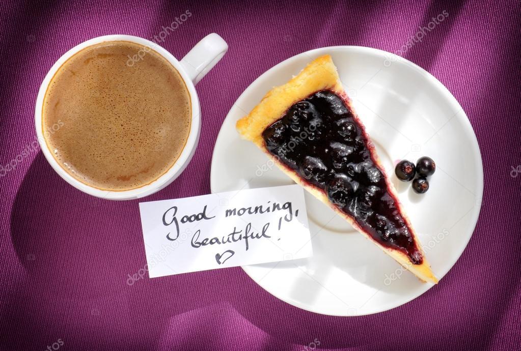 Kuchen Kaffee Und Guten Morgen Nachricht Auf Lila