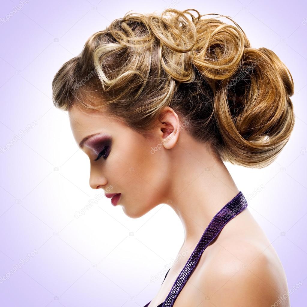 Mujer Con Peinado De Moda Fotos De Stock C Valuavitaly 104925392 - Peinado-de-moda