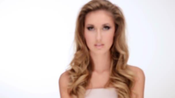 Очень красивые девушки для взрослых, порно два массажиста делают массаж
