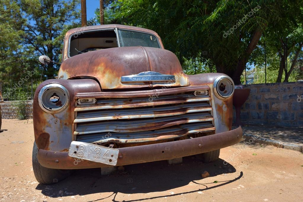 Abandoned old Chevrolet car – Stock Editorial Photo © znm666 ...