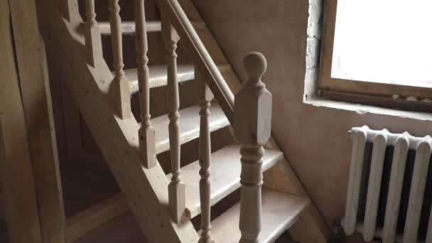 Fabricar escalera de madera cheap escalera en curso de fabricacin with fabricar escalera de - Fabricar escalera de madera ...