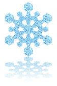 Fényes fehér alapon világos kék kristály hópehely
