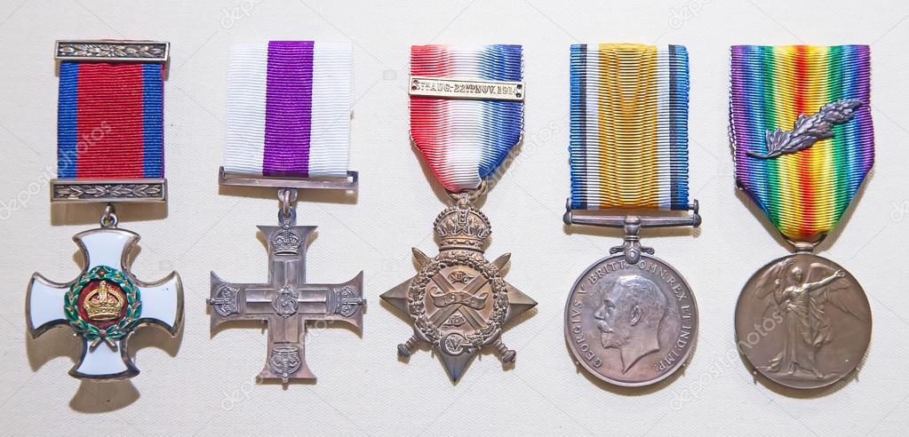 звезды англии военная награда фото проверит версию