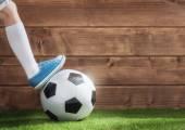 gyermek játszik labdarúgó