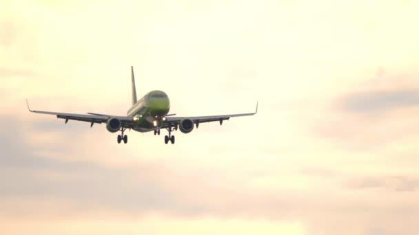 S7 Embraer 170 Regional Jet Airliner landing
