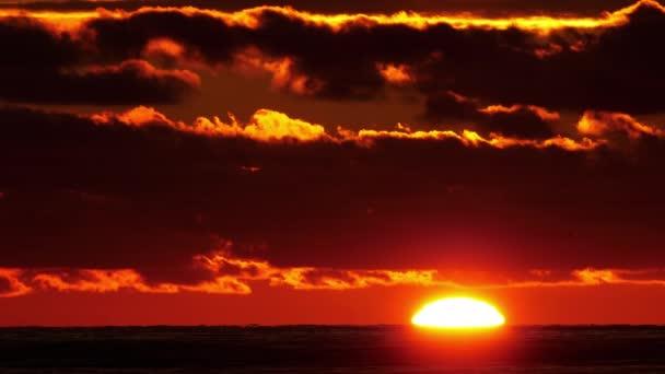 Scénický pohled na západ slunce.