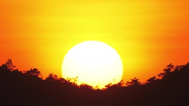 Blick auf die untergehende Sonne.