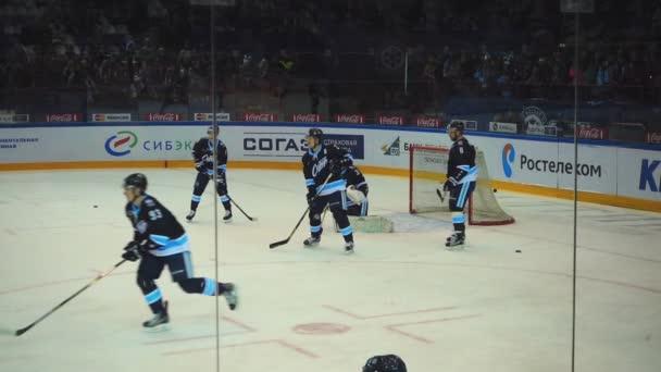 Hokejisté v warm
