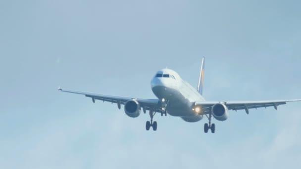 Airbus 320 im Anflug