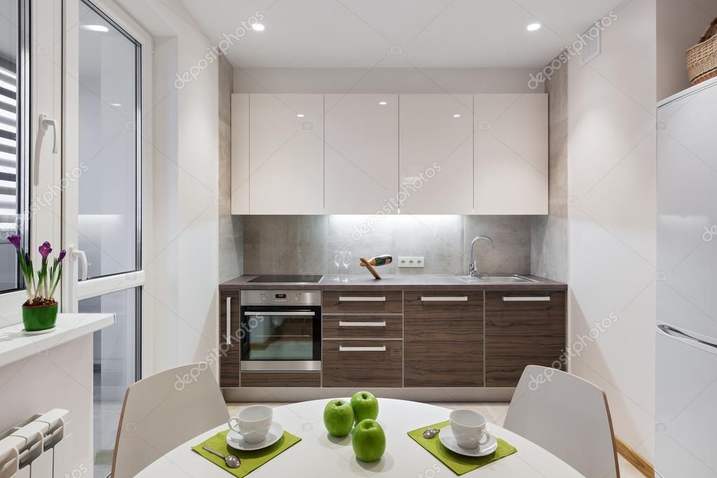 Küche interieur in modernes apartment im skandinavischen stil