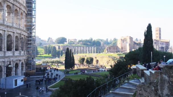 Colosseum, vagy más néven a FLAVIÁN amfiteátrum, Colosseum egy ovális amfiteátrum központjában Róma, Olaszország. Épített beton és a homokos,-a  a legnagyobb amfiteátrum