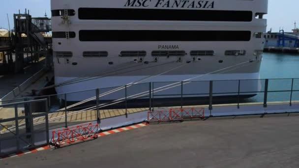 MSC křižování terminál v Janově, Liguria, Itálie
