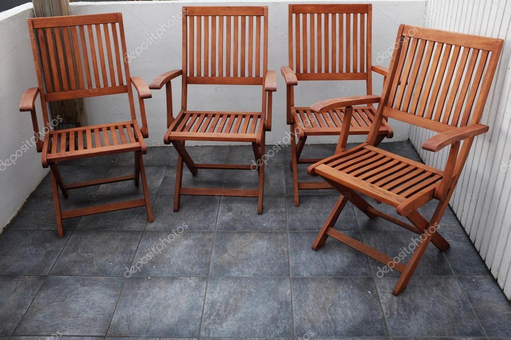 Stock Sedie Pieghevoli Legno.Quattro Sedie Pieghevoli In Legno Foto Stock C Ollikainen 82864156