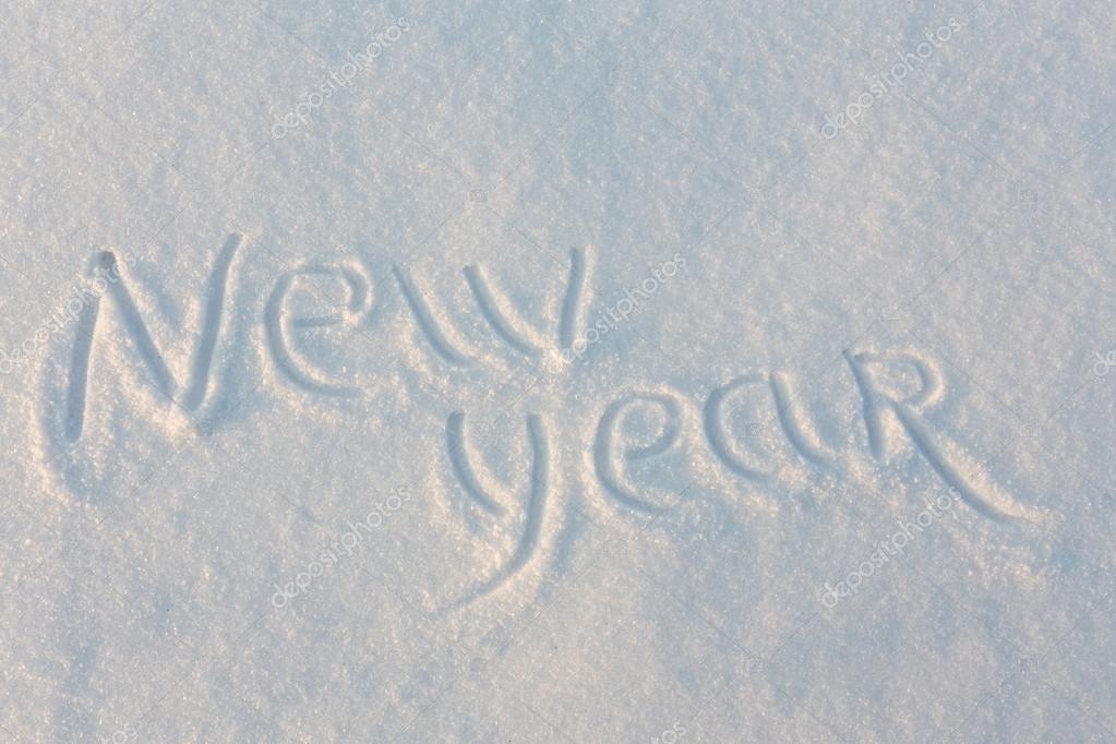 Te Amo Escrito En Pluma En La Arena Imagen De Archivo: Feliz Año Nuevo Escrito En La Nieve