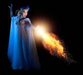 Mladá elfí dívka s ohněm, samostatný