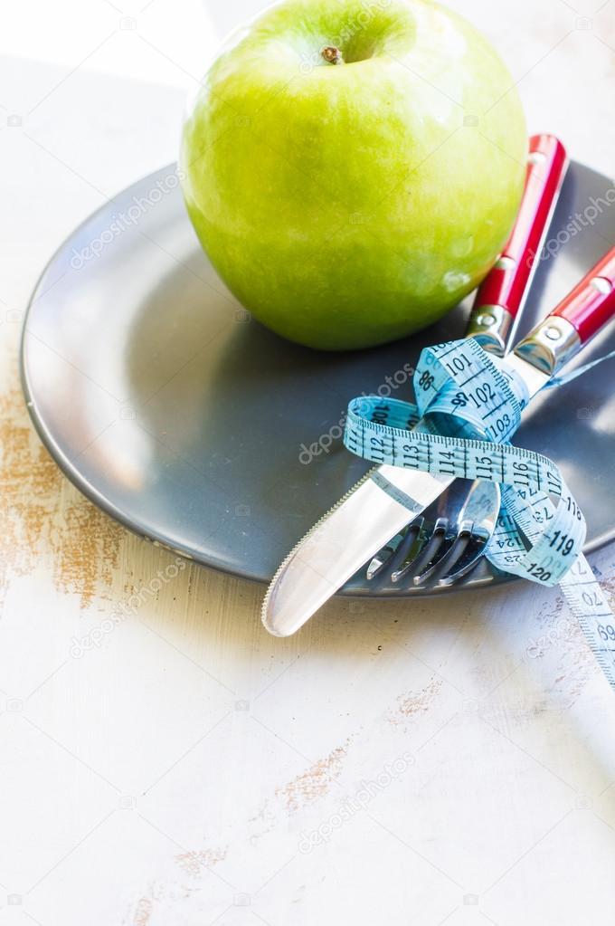 Диета на зеленых яблоках и кефире.