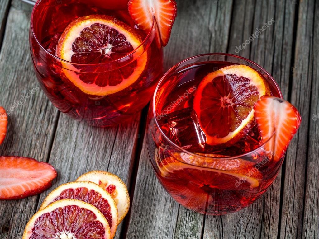 Blood orange-Erdbeere-rum-Punsch — Stockfoto © Alex_L #105024720