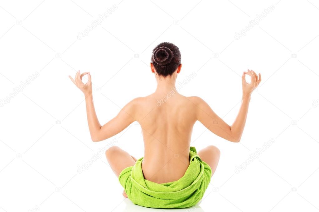 γυμνό μοντέλο γιόγκα