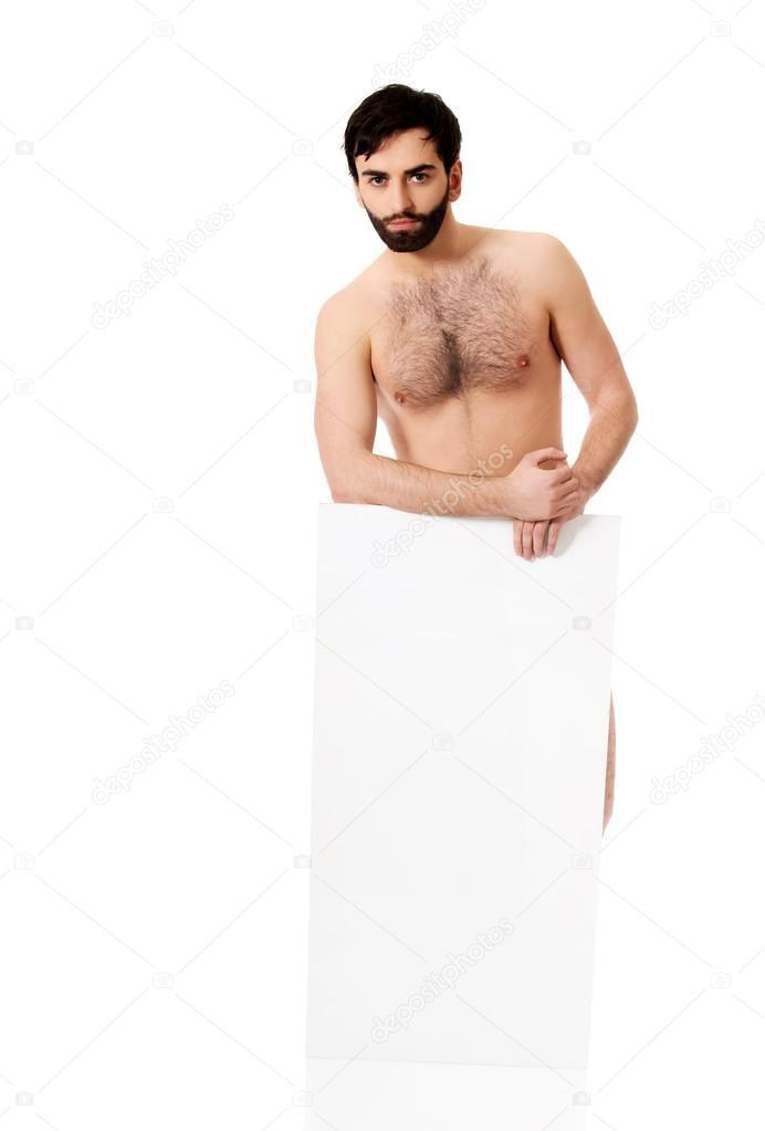 50-70% de réduction trouver le prix le plus bas profiter de la livraison gratuite Jeune homme torse nu, tenant une bannière vide ...