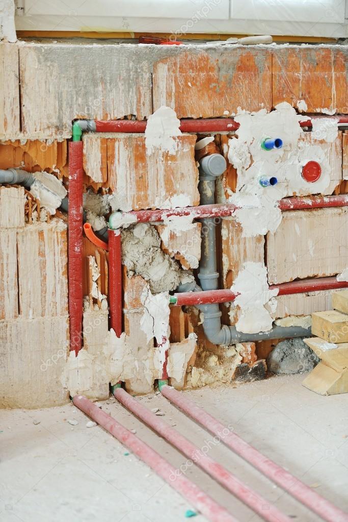Kabel an Wänden in neues Haus — Stockfoto © zurijeta #98218506
