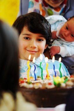 kids celebrating birthday party