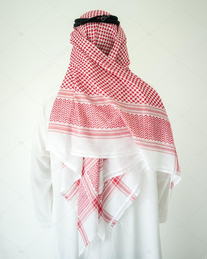 Hombre árabe con ropa tradicional — Foto de stock © zurijeta #99501574