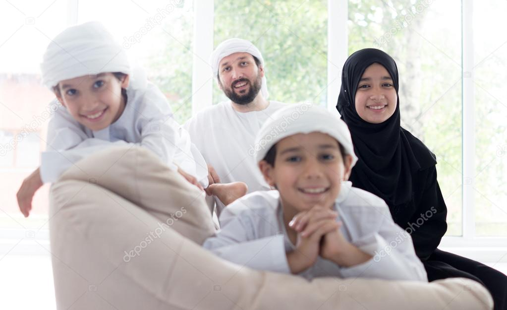 arabic family traditions