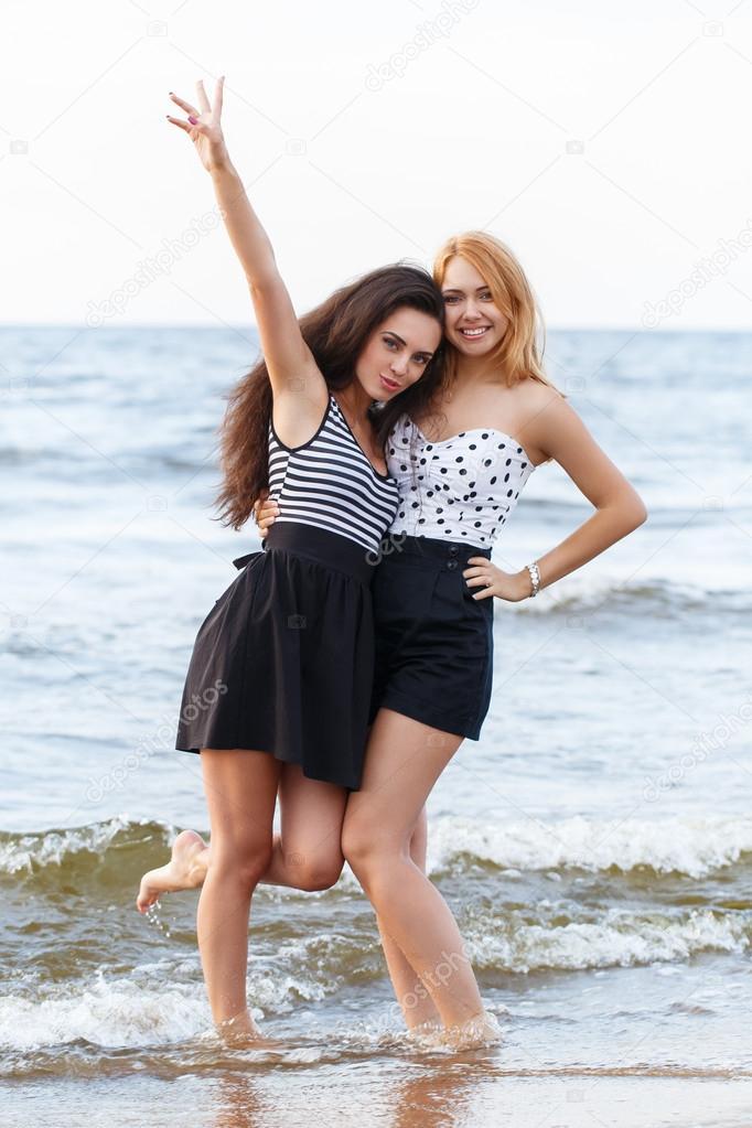 Fotos Guapas En La Playa Chicas Guapas En La Playa Foto De - Muchachas-guapas