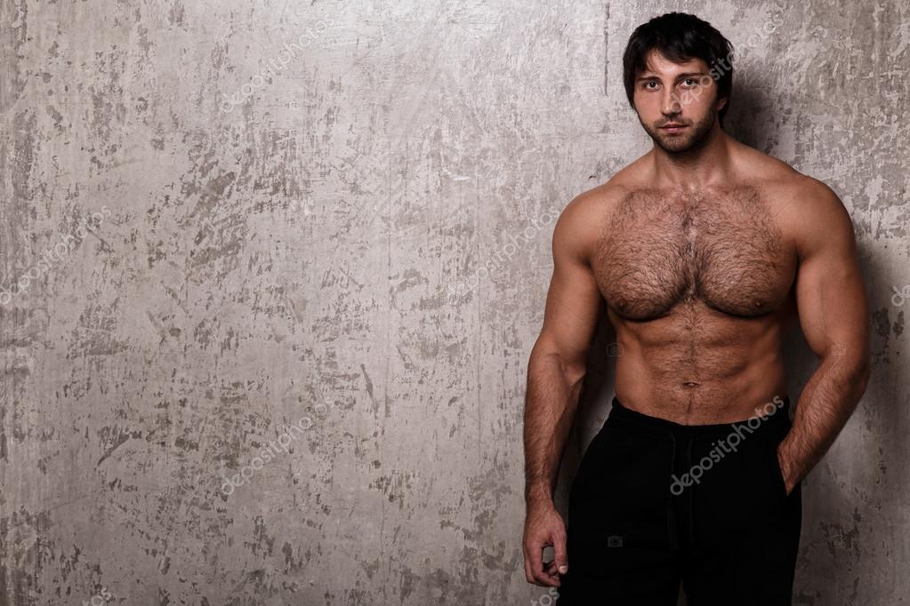 Schwarz behaarige Nacktheit