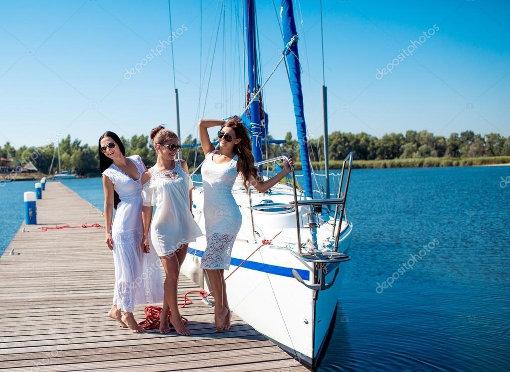 Фото женщин на яхте #5