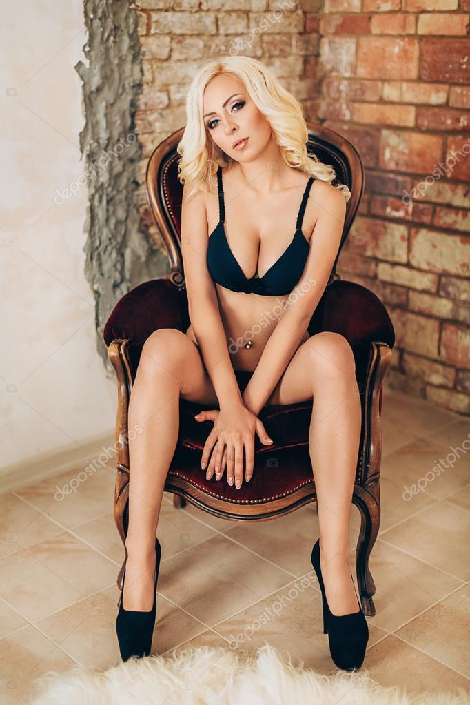 Сексуальная красивая блондинка фото 576-840