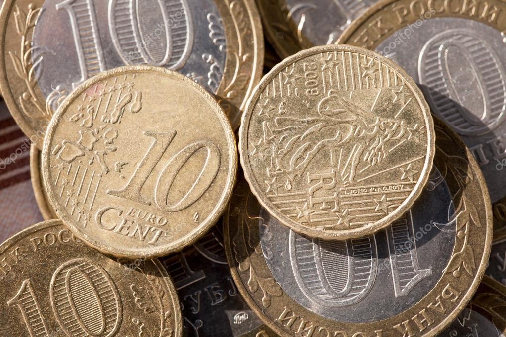 Münze Im Wert Von Zehn Cent Auf Die Euro Münzen Gegen Zehn Rubel
