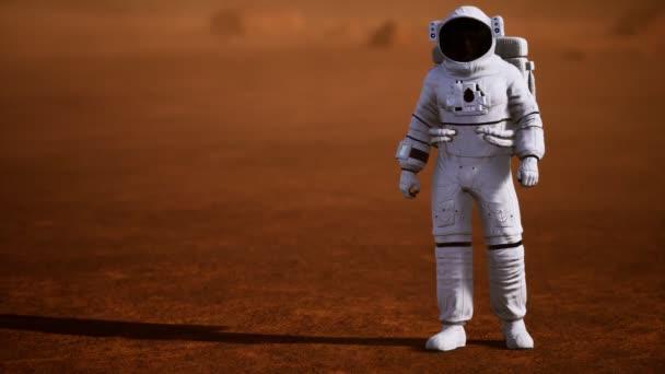 Astronaut auf der Marsoberfläche. Roter Planet mit Gas und Gestein bedeckt