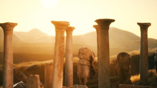 starý řecký chrám zříceniny při západu slunce