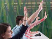 diák csoportnak kezét emelje fel a osztály