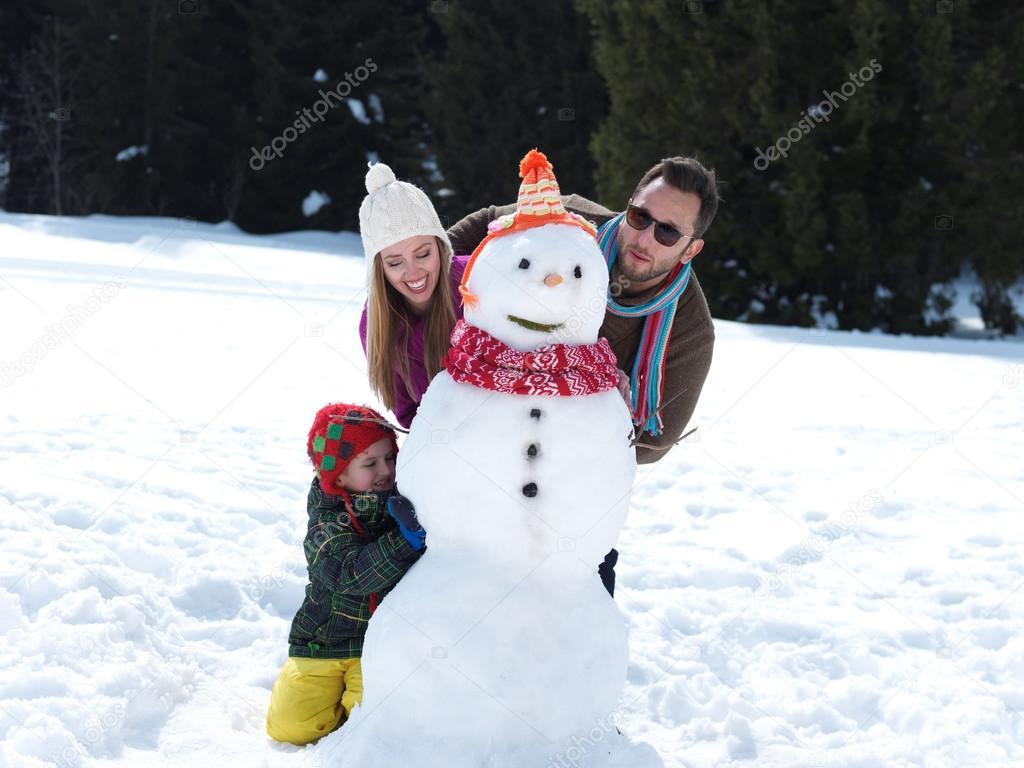 лепим снеговика всей семьей фото этой речки