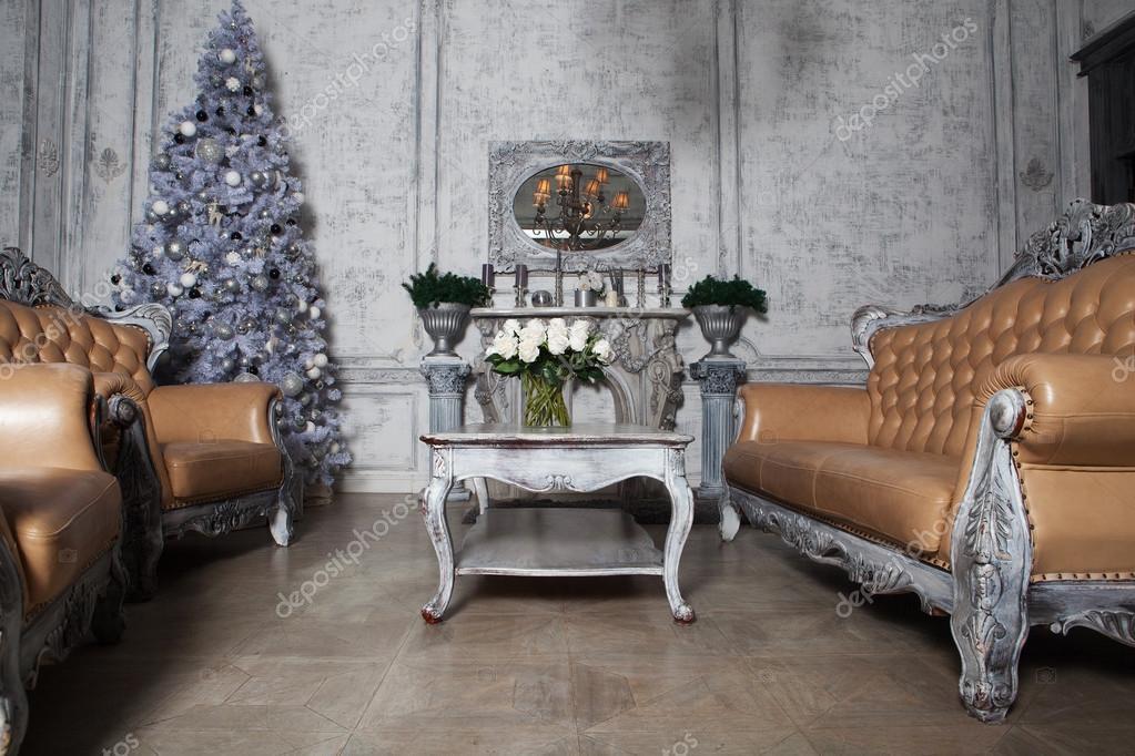 Kerstmis woonkamer met boom — Stockfoto © kanareva #115550844