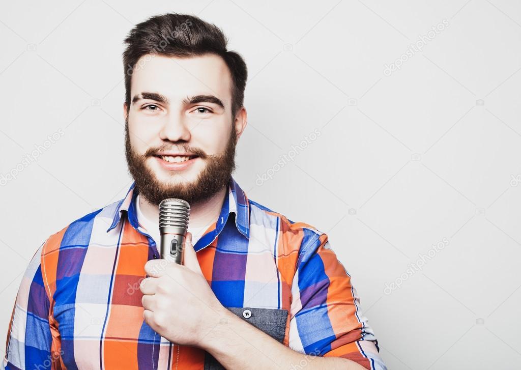 Молодежный сексуальный певец