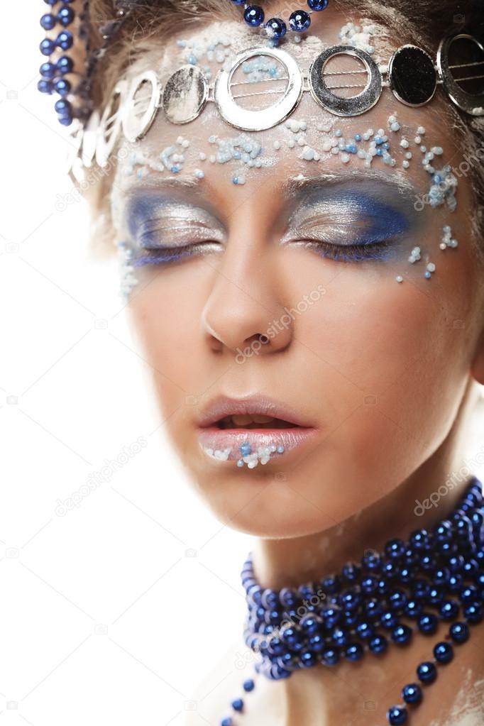 Portret Królowej Zimy Z Makijaż Artystyczny Na Białym Tle Na