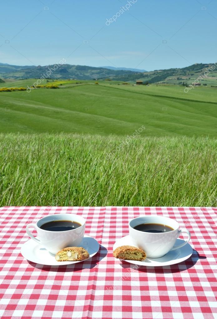 Coffee and cantuccini in Tuscan