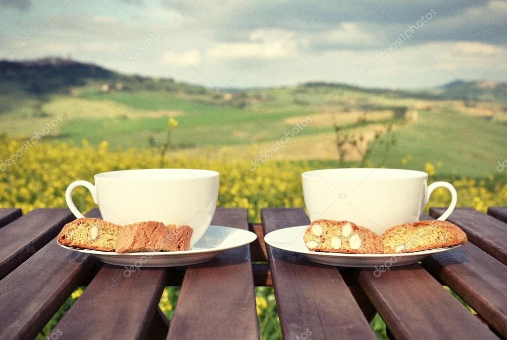 Coffee cups and cantuccini in Tuscan