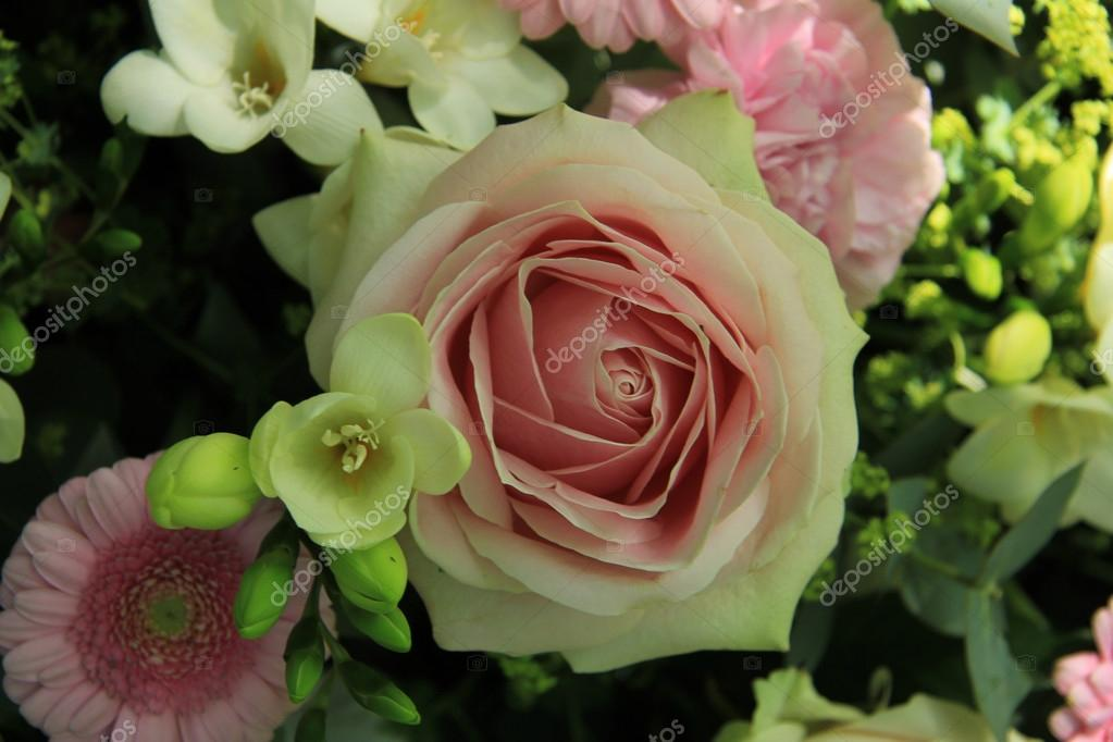 Bridal flower arrangement in pink and white